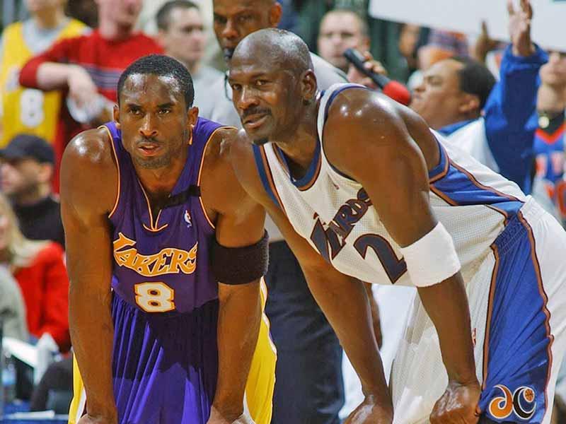 Kobe Bryant and Michael Jordan in a game