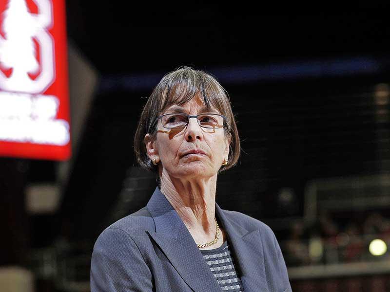Coach Tara VanDerveer looks to her right