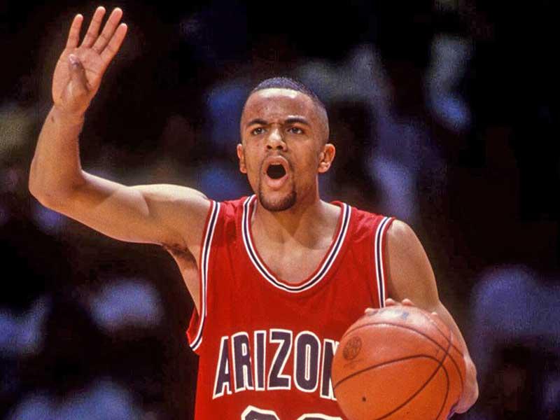 Damon Stoudamire of Arizona Wildcats calling out his teammates